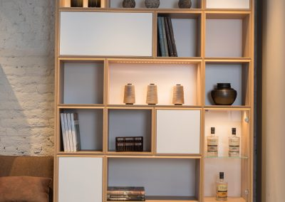 Bookshelves in natural oak + Leds
