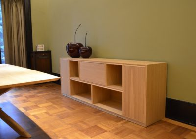 console all in natural oak